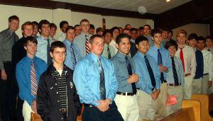 Coro gregoriano do Central Catholic, escola marista de San Antonio, Texas